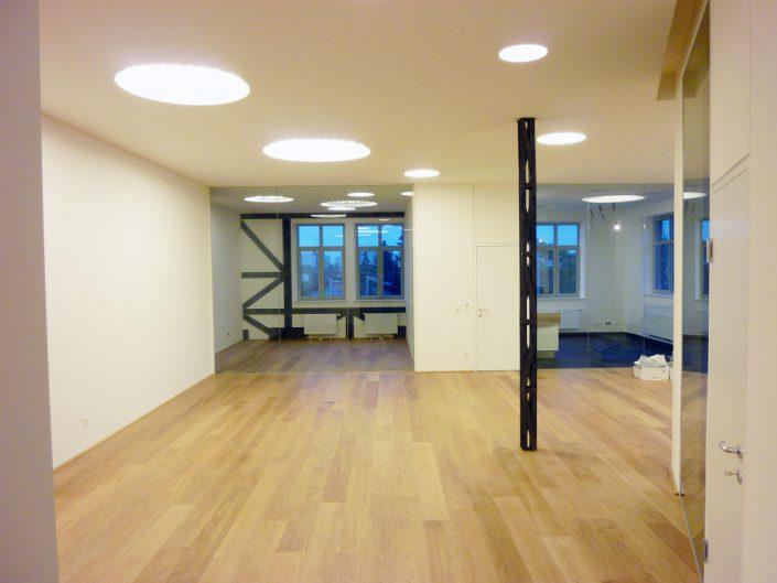 Umbau Ehemalige Modellbahnfabrik – Sanierte Loft-Wohnung
