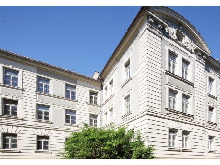 Sanierung Ehemalige Kaserne Stockerau – Außenansicht der umgebauten Kaserne