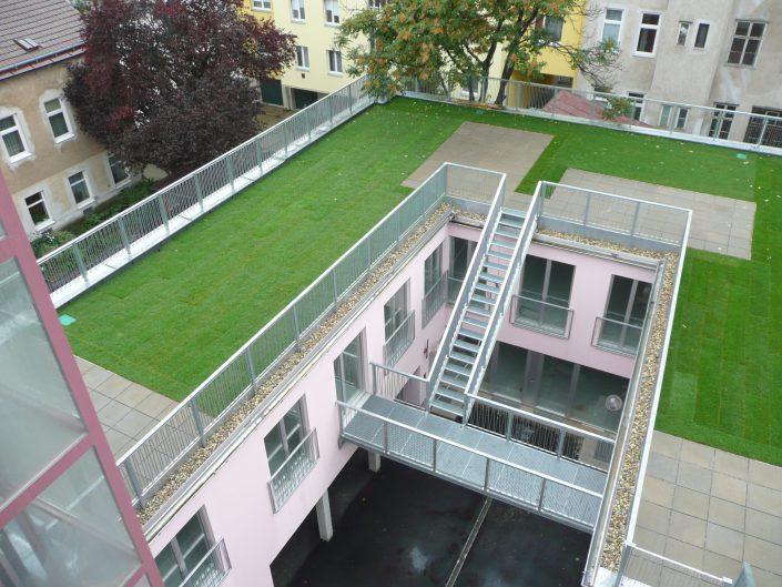 Umbau Lofts Dreihausgasse – Aufsicht auf die fertige Dachterrasse