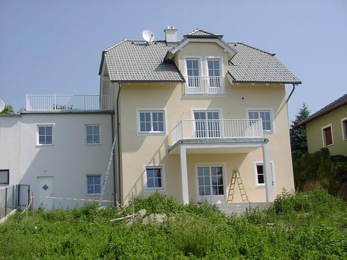 Errichtung Einfamilienhaus Großebersdorf – Haus kurz vor der Fertigstellung