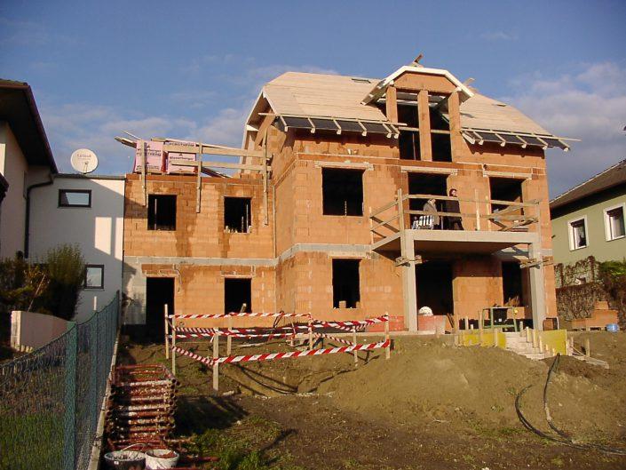 Errichtung Einfamilienhaus Großebersdorf – Rohbau aus Ziegeln