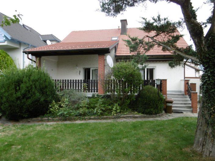 Umbau Einfamilienhaus Biedermannsdorf – Außenansicht vom Garten