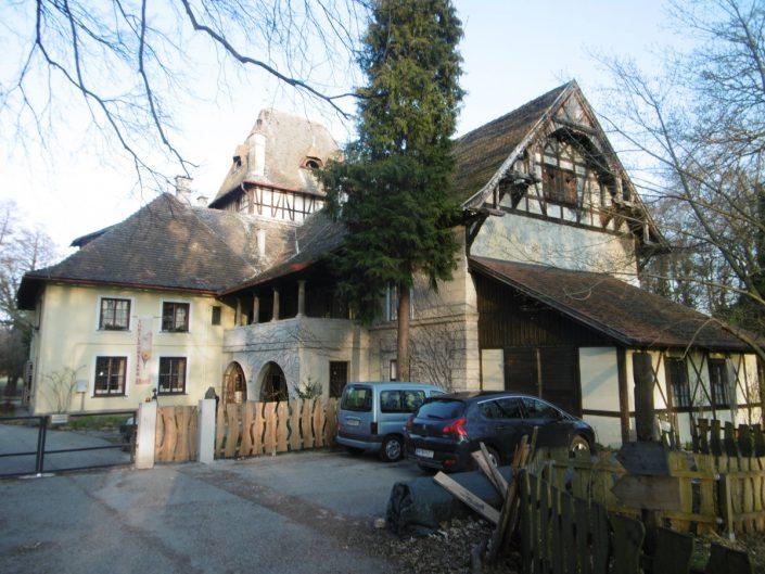Umbau Waldorfschule Schönau – Seitenansicht des Gebäudes