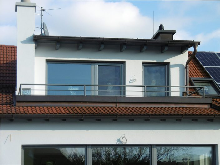Umbau Einfamilienhaus Biedermannsdorf – Dachgeschoß mit Balkon