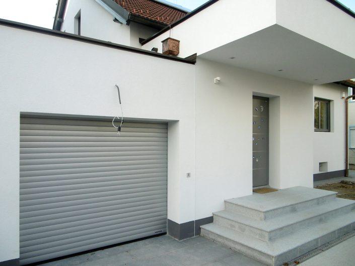 Umbau Einfamilienhaus Biedermannsdorf – Eingangsbereich und Garage