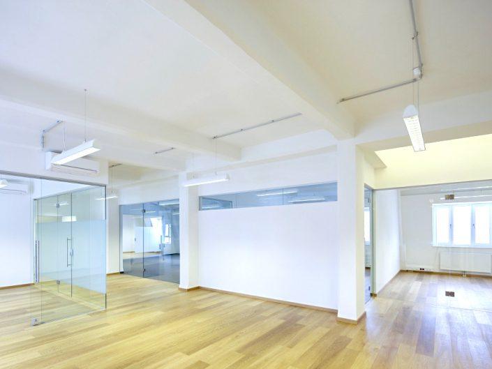 Bürohaus in der Niederhofstraße – Großzügige Loftbüros