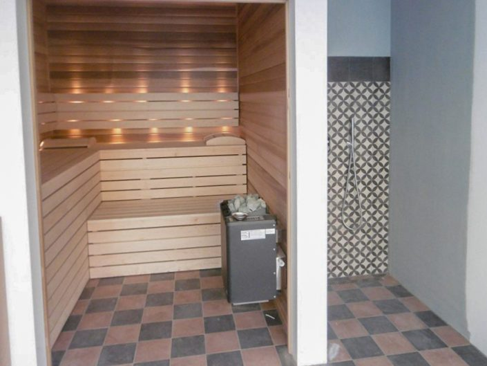Altbauwohnung in Hernals – Innenbereich der Sauna
