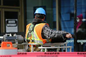 Bauarbeiter von hinten